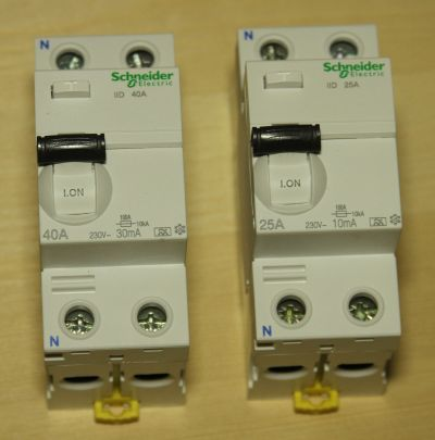 УЗО Schneider Electric Acti 9 4
